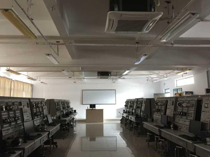 """【学院动态】信息工程学院开展""""五一""""节前安全隐患集中排查工作"""